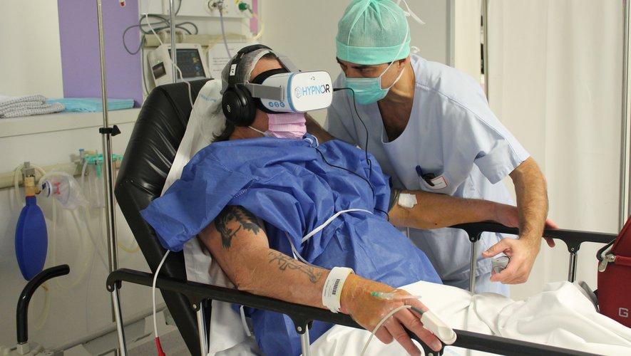 opération chirurgicale sous réalité virtuelle